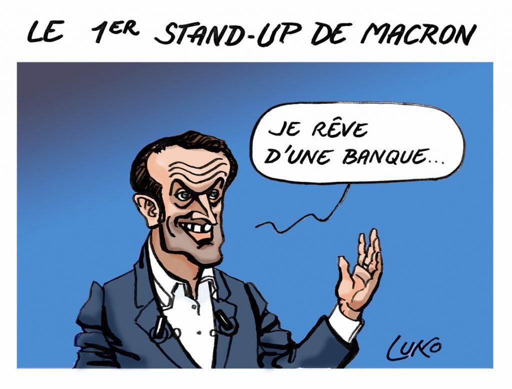 MACRON-STAND-UP-W
